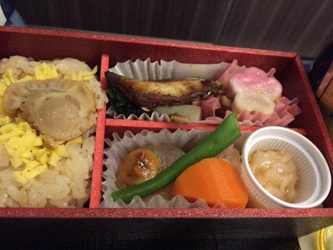 東北新幹線グランクラスの和軽食