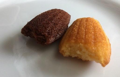 ブルボン - しっとりミニマドレーヌのバターとココアの断面図